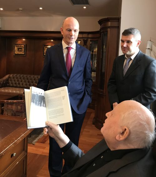Photos right and below: An advance copy of the book is presented by the editor to Mikhail Gorbachev on the occasion of his 88th birthday. Moscow, February 28, 2019